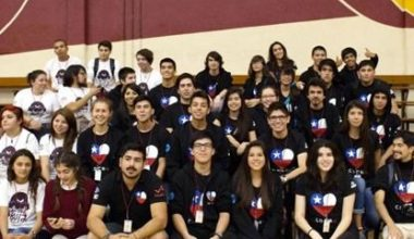 Design Lab UAI apoya a equipo de robótica de estudiantes secundarios