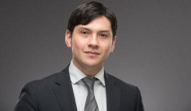 """Profesor de Negocios UAI recibe premio """"Jóvenes Influyentes"""" 2017"""