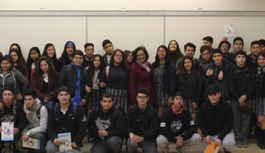 Colegio Valle Hermoso de Peñalolén visita la UAI